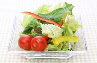 スーパーのカット野菜